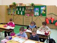 Skříňová sestava s nástěnkami je pro děti skvělou inspirací