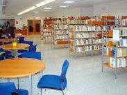 Stabilní kovové regály do knihoven a informačních center