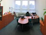 Nábytek do vaší ředitelny vám navrhneme, vyrobíme, dovezeme a smontujeme k vaší úplné spokojenosti
