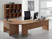 Kancelářský stůl s velkou pracovní plochou