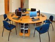 Vybavení počítačové učebny netradičním kulatým stolem