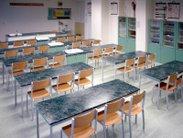 Moderní vybavení učebny chemie nebo biologie